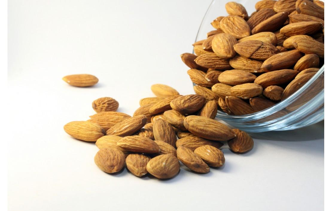 29 uses of versatile sweet almond oil